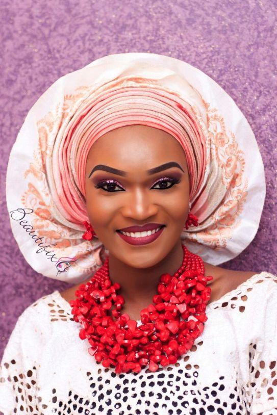 Beautifixx is a pro makeup artist. Studio at No 2, Aina Eleko street, onigbongbo, Maryland, lagos.Mobile-08062787592, pin-560A7D72, email-beautifix1@yahoo.com Facebook: https://facebook.com/beautifixmakeupstudio . Instagram @beautifixx (https://instagram.com/beautifixx)